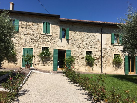 San Benedetto di Lugana, Italia: Cascina Girolda