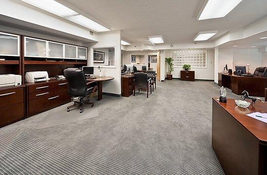Holiday Inn Rosslyn @ Key Bridge: Hotel Feature-Sales Office