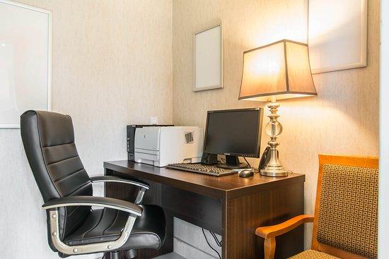 Comfort Inn Trois Rivieres: Computer