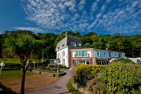 Oxwich Bay Hotel: Hotel Exterior