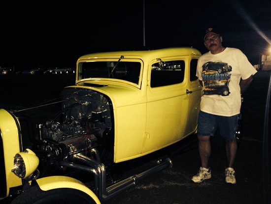 Maui Raceway Park: Had to get my picture with the car....