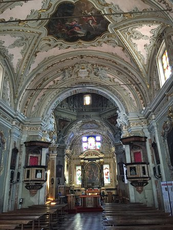 Cannobio, Italy: Inside the church