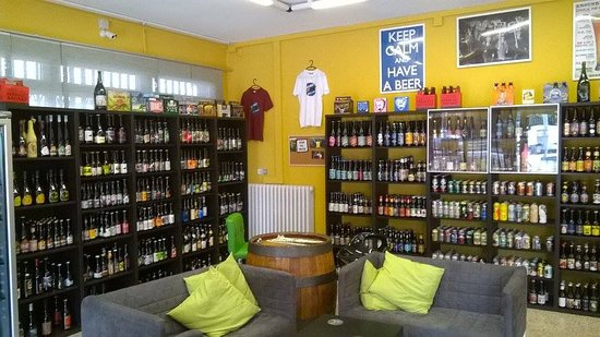 Rubiera, Italie : Galaxy Beer shop