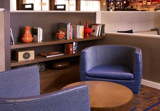 Miamisburg, OH: Lobby Library