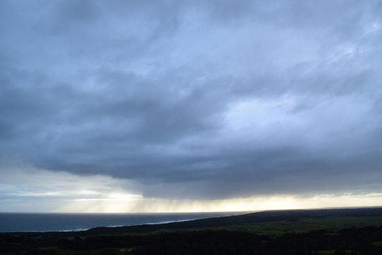 Cape Schanck, Australia: Afternoon cloud watch from the warmth of our room!