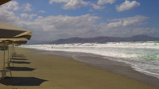 Episkopi, Yunanistan: Rough sea