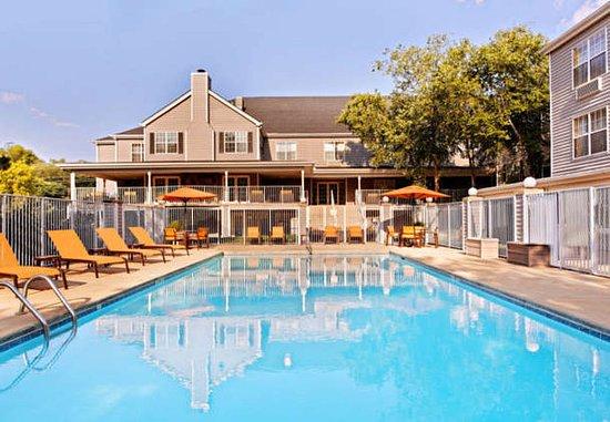 เอเธนส์, จอร์เจีย: Outdoor Pool