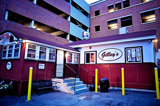 Gilley's : Gilley's at turn of dawn
