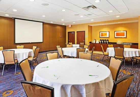 Alcoa, TN: Blount Meeting Room - Table Rounds