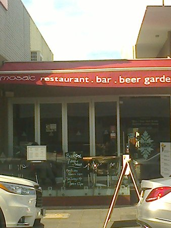 Mosaic Restaurant, Bar & Beer Garden in Altona [August 2016]