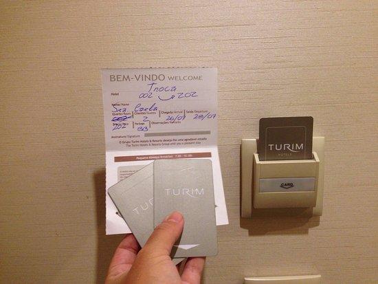 Luxe Hotel by Turim Hoteis: Mesmo com cartão extra para refrescar o quarto o mesmo estava o muito quente.