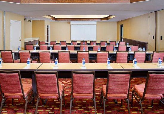 ลอสอัลตอส, แคลิฟอร์เนีย: Ballroom - Schoolroom Seating