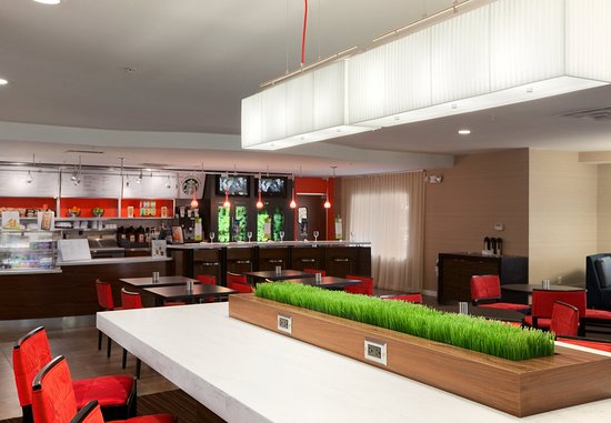Wall Township, Nueva Jersey: Communal Table