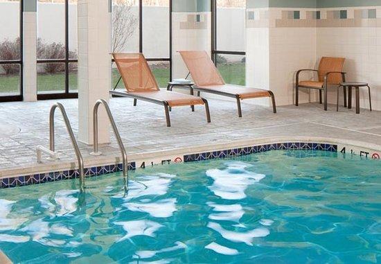 Lebanon, NJ: Indoor Pool