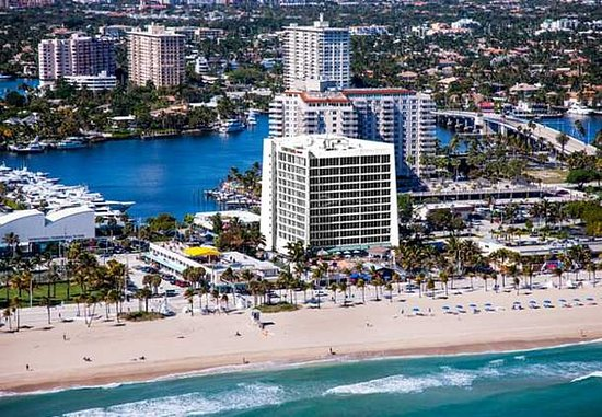Photo of Courtyard by Marriott Fort Lauderdale Beach