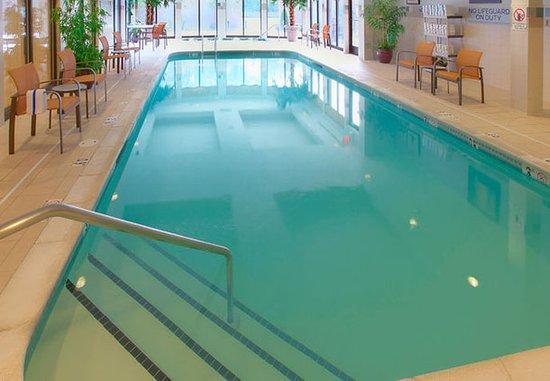 Λίνκολν, Ρόουντ Άιλαντ: Indoor Pool & Spa