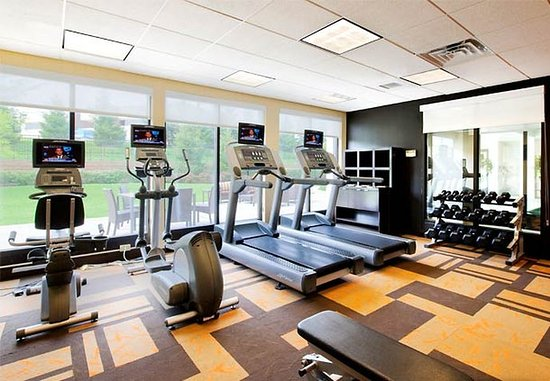 Ewing, NJ : Fitness Center