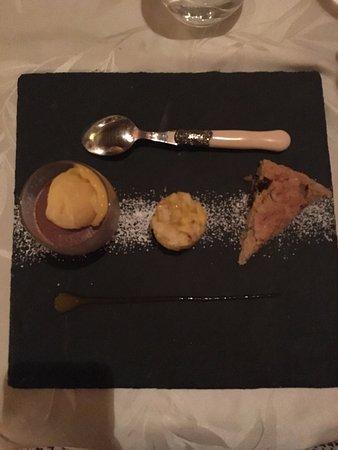 Roullens, França: Trilogie de desserts