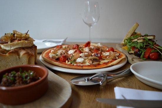 Dough Pizza Kitchen: Feta and Rosemary Pizza