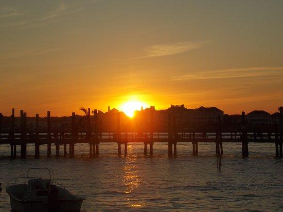 Oceanic Motel : sunset from my door.
