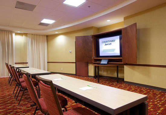 Blacksburg, VA: Meeting Room - Clasroom Setup