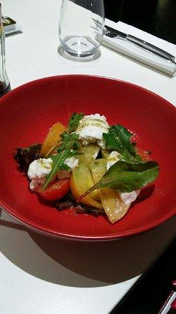 Massy, France: Salade de tomates, mozarella di buffala