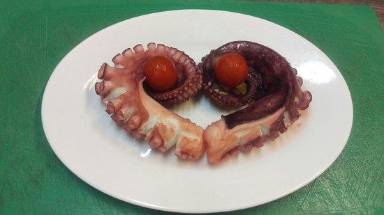Archangelos, Grecia: Octopus =Love