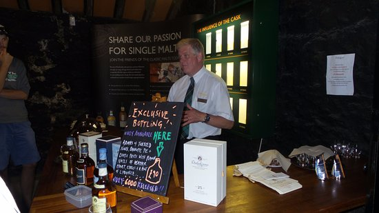 Dalwhinnie, UK: Time to taste and try