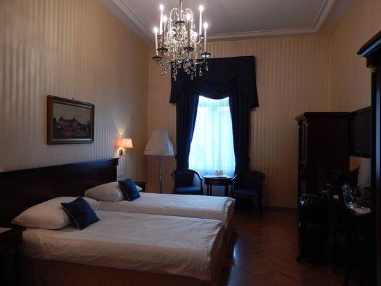 Hotel Ambassador Photo