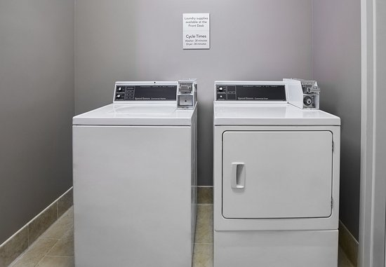 Courtyard Detroit Pontiac/Auburn Hills: Guest Laundry