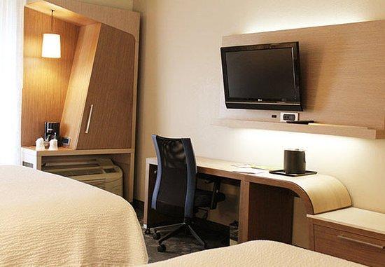 Round Rock, Teksas: Queen/Queen Guest Room - Work Desk