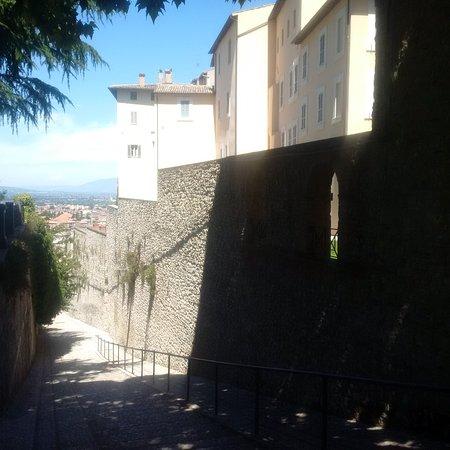 Spoleto, Italy: Mura megalitiche