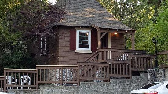 our cabin accomodations picture of saddleback inn lake arrowhead rh tripadvisor com