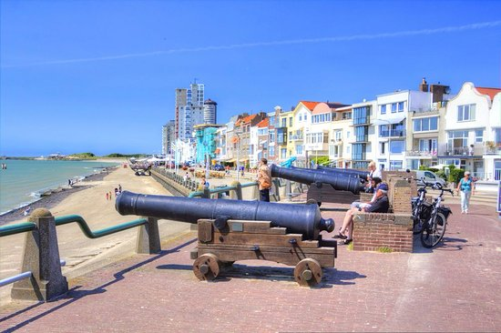 Vlissingen, The Netherlands: Canons from the past