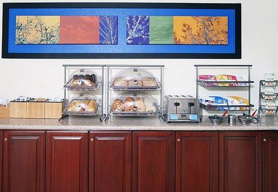 San Carlos, CA: Breakfast Buffet