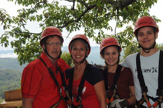 Marshall, Karolina Północna: From the Tree House in the Sky, Breath Taking