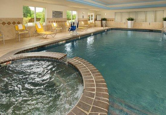 Marshall, Teksas: Indoor Pool & Whirlpool Spa