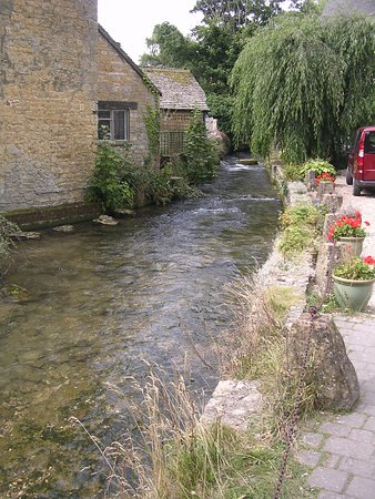 Charlbury, UK: River at Bourton-on-the-Water