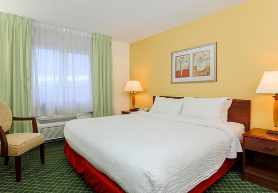 Fairfield Inn Erie Millcreek Mall: King Guest Room