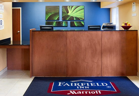 Fairfield Inn Kennewick: Front Desk
