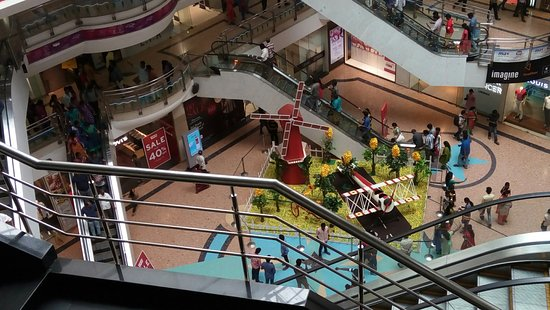 Skywalk (ampa Mall): A view of the mall shot from a higher floor