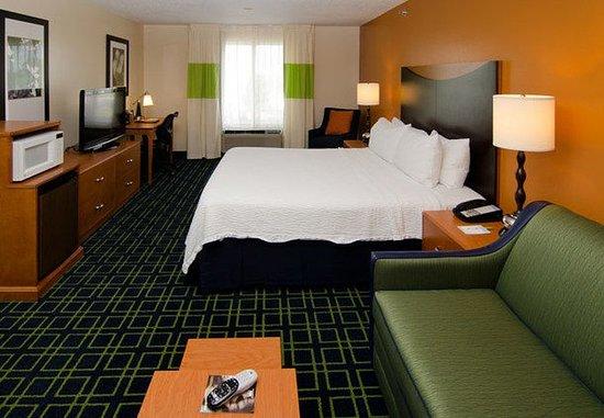Fenton, MO: Executive King Guest Room