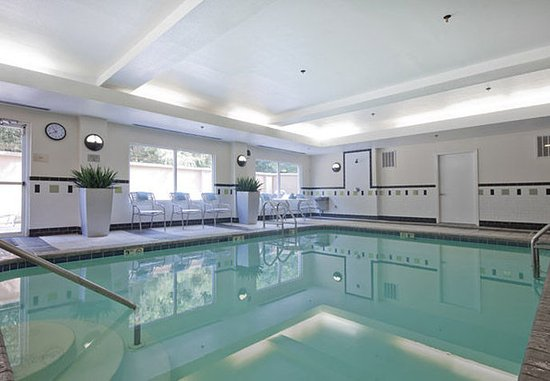 Sulphur, LA: Indoor Pool