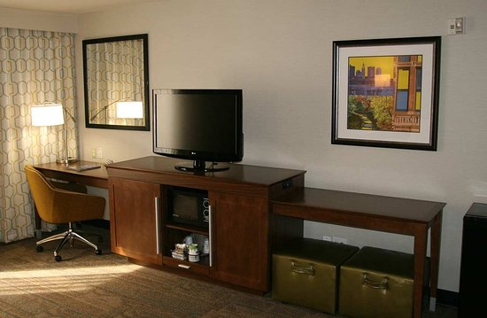 Hilliard, OH: Open Area in Accessible Suite