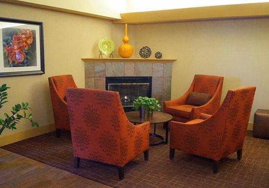 Altoona, Pensilvania: Lobby Fireplace