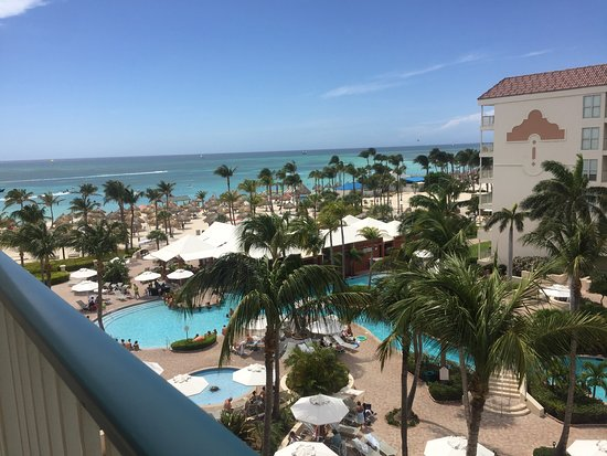 Marriott's Aruba Ocean Club: Excellent trip! There is always things going on and the staff is very helpful. The hotel is near