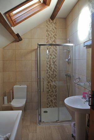 Cilhendre Fawr Farm Cottages: Slechts 1 badkamer voor 3 koppels