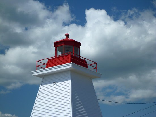 Eastwind Cycle: Light House Cabot Trail