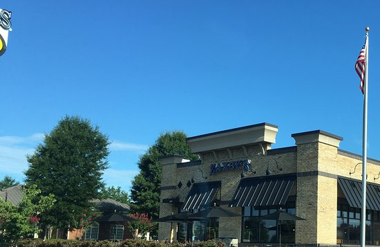 Muscle Shoals, AL: Zaxby's on Avalon Avenue
