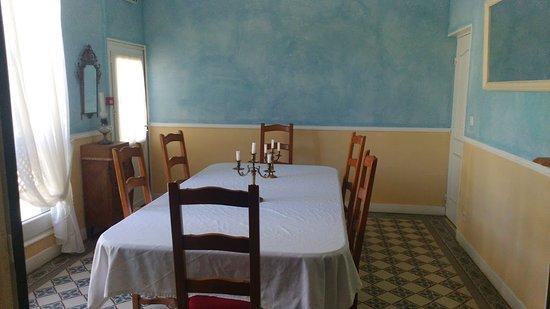 Foto de brasserie le ph nix lusigny sur barse salle a manger avec salon 8 p - Amenager salon salle a manger ...